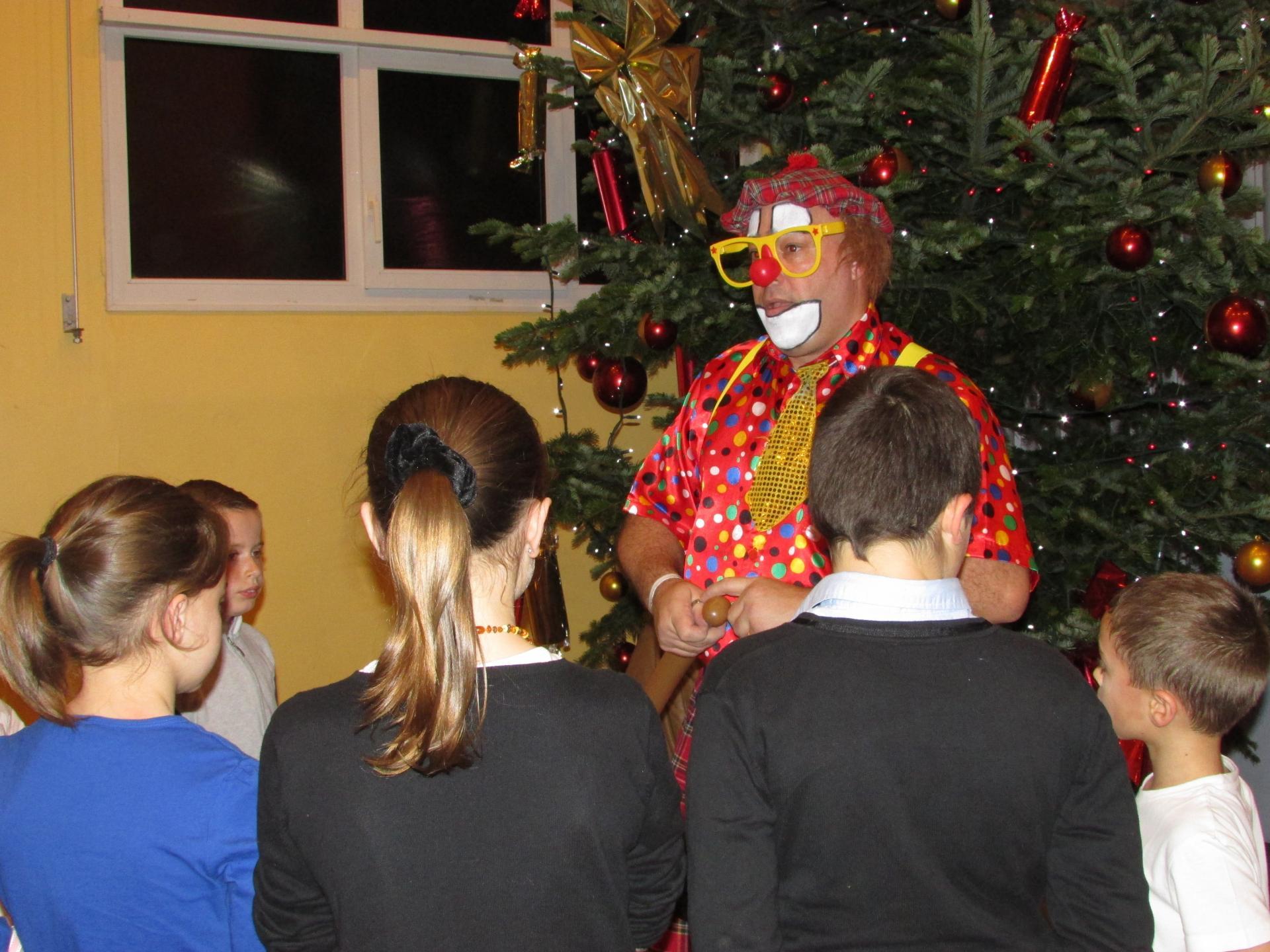 Tonton le clown sculpture ballons  Arbre de Noël
